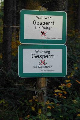 36- Waldweg gesperrt