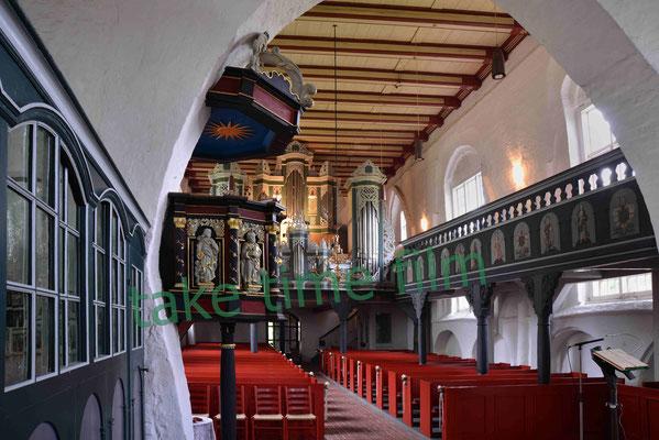13 - Die Kirche ST. Johannis in Oederquart.