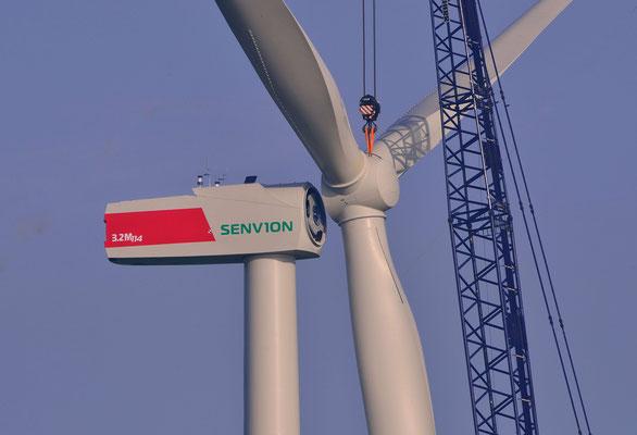 159 - Neubau einer Windkraftanlage - Millimeterarbeit für den Kranführer.