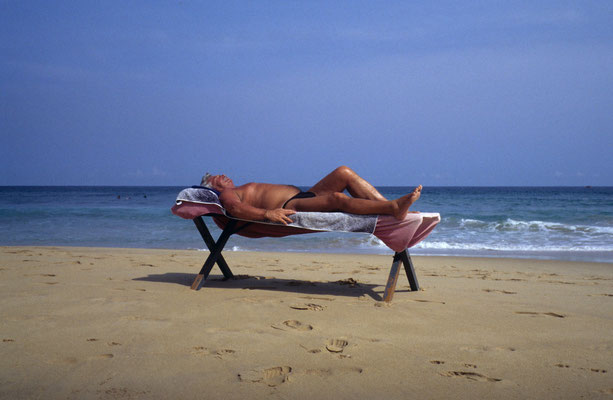 1- Man on the beach, Italy , Mann am Strand