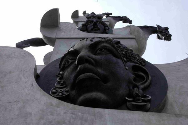 30- Bietigheim, Skulptur, Turm der grauen Pferde, Detail