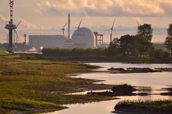 16- Windrad, Windkraftanlage, Windkraft, Windgenerator, Ökostrom, Brokdorf, AKW, Atomkraftwerk, Kernkraftwerk, Schleswig Holstein