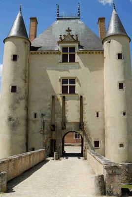 57 - Frankreich Schloss Chamerolles mit Museum der Düfte und Parfums.