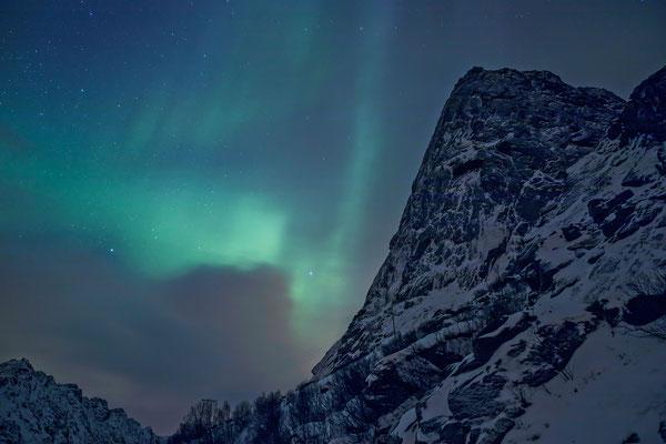 Verzauberndes Naturspektakel über dem Sorfjellet
