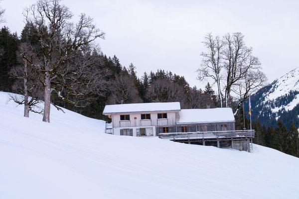 Die Brochhütte lassen wir auf unserem Weg zum Grindelgrat rechts liegen (Bild Marco Rüegger)