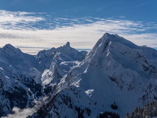 Blick vom Meniggrat zum Schneegepanzerten Rothore, Spillgerte und Seehore
