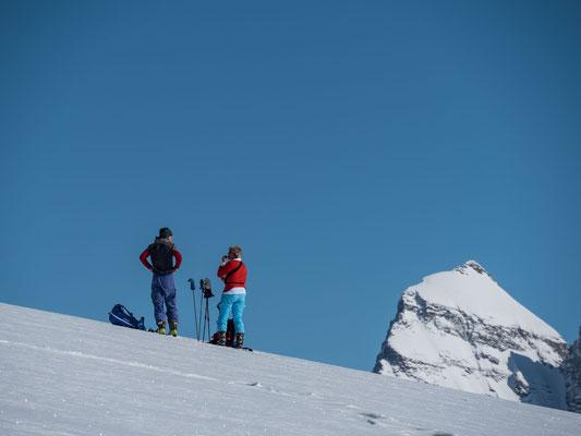 Kurze Pause unter dem Gipfel. Das Lauterbrunner Brerithorn steht bereits als private Sommertour in meinem Terminkalender