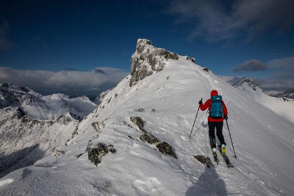 Perfektes Timing, wir geniessen die beste halbe Stunde auf dem Gipfel