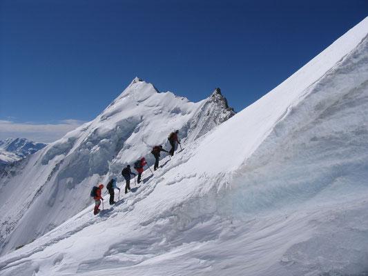 Grandioser Blick kurz vor dem Gipfel auf das Weisshorn