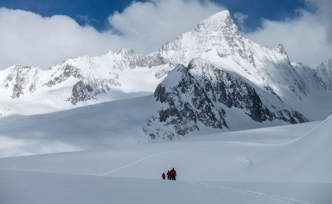 Allein auf weiter Flur, die zweite Bergvagabund Seilschaft vor dem mächtigen Grünhorn