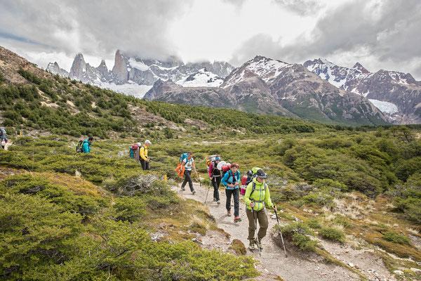 Im richtigen Moment am richtigen Ort. Dank flexibler Planung konnten wir den ersten Gipfel am besten Tag ersteigen. Hier befinden wir uns nahe der Laguna Capri auf dem Rückweg nach El Chalten
