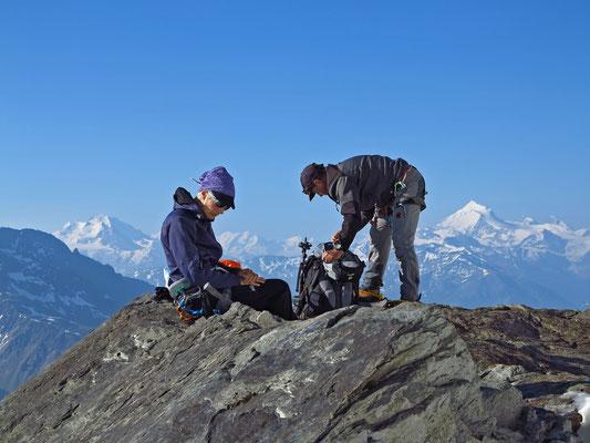 Panoramablick ins Wallis, Dom und Mischabelgruppe, Liskamm und Castor, Weisshornm Zinalrothorn und Matterhorn