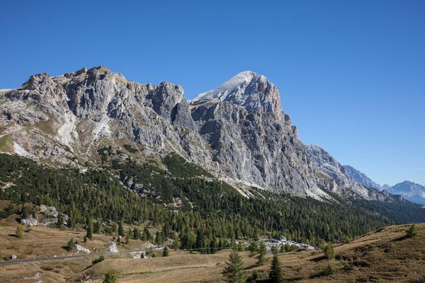Am Beginn des Dolomiten Höhenweges zu den Cinque Torri. Falls Scneefrei, wäre der Aufstieg zur Tofana der Höhepunkt dieser Wandertour