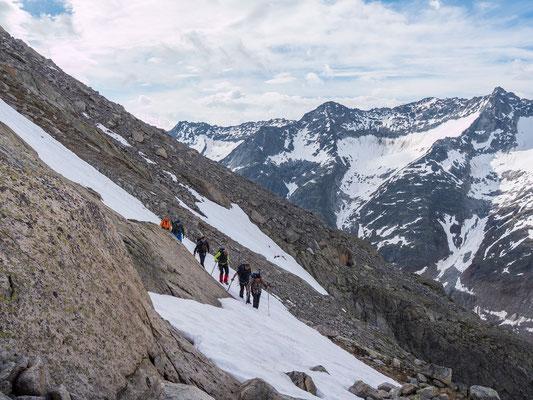 Steile Schneefelder erfordern höchste Aufmerksamkeit