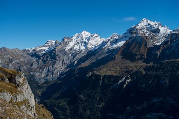 Grandios auch hier, der Ausblick auf den Öschinensee, die Blüemlisalp und das Doldenhorn