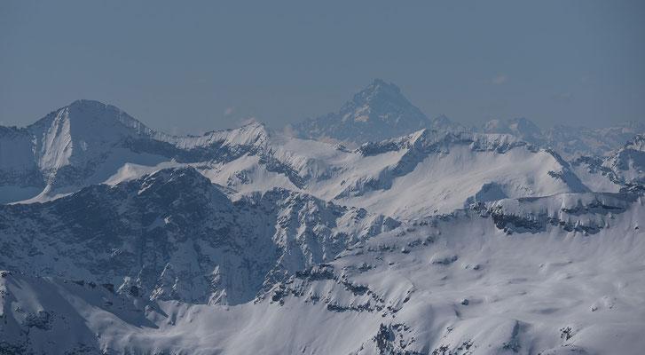 Der Monte Visoscheint mit dem 300er Tele schon recht nah und ist doch noch weit entfernt