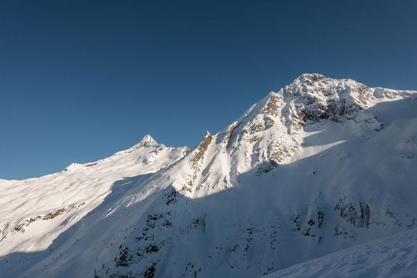 Am 2.1.20 erkunde ich die Schlüsselstelle einer geplanten Tour im Simplongebiet. Viel Schnee, aber oberhalb der Waldgrenze auch viel Wind setzten der Schneedecke arg zu