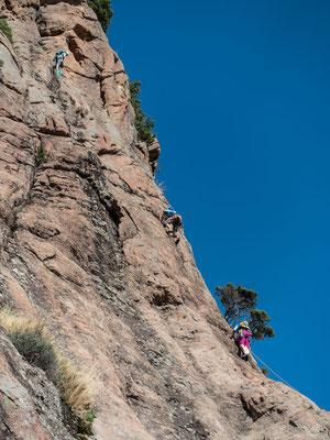 Oben wir die Kletterei dann immer steiler und unterhaltsamer und zum Schluss...