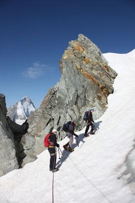 Kurzweilige Firnpassagen im Aufstieg zum Blanc de Moming