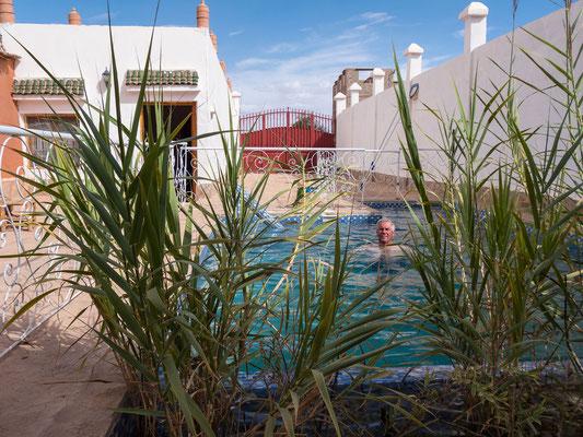 Kleiner Pool zur Erfrischung in unserer Unterkunft Kasbah Petit Nomade