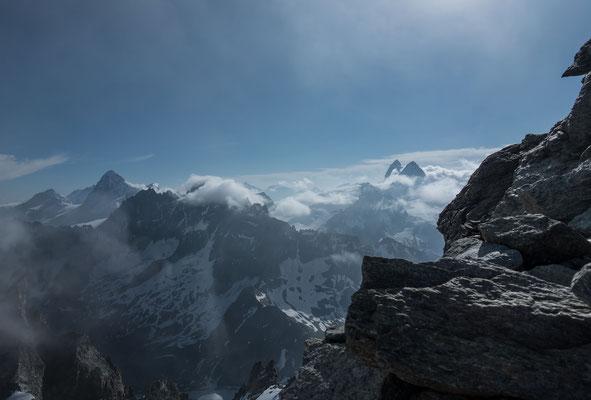 Dent Blanche, Dents de Bertol, Täschhorn, Alphubel, Allalinhorn, Tête de Valpelline, Matterhorn und Dent d`Hérens