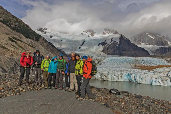 Der Ausflug hat sich gelohnt. Anstelle der rutschigen Moränenkletterei zum Gletscher hinunter steht hier der Genuss im Vordergrund