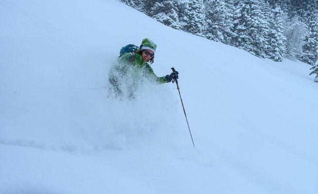 Da braucht es schon eine gewisse Steilheit und eine gute Skitechnik, dann ist dieses Schweben der ultimative Kick