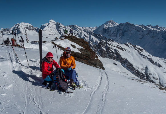 Ein Traumtag im Lötschental, rechts das Aletschhorn und das Schinhorn