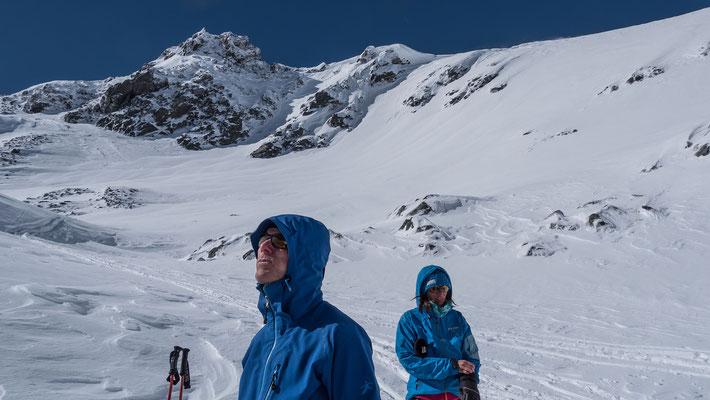 Geschärfter Blick von Lukas zum Mont Velan. Was er wohl erblickt?