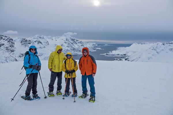 Blick vom Gipfel zum Austnesfjorden