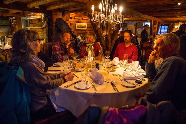 Borsen Spiseri, was wird uns wohl aufgetischt in diesem alt würdigen Restaurant aus der Piratenzeit? Ich kanns verraten, Stockfisch, Lachs und Rentier, einfach lecker...