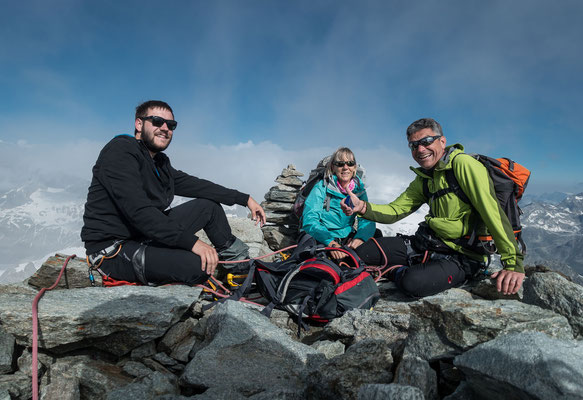 Erika, Christoph und Dominik Kramer auf dem Gipfel...