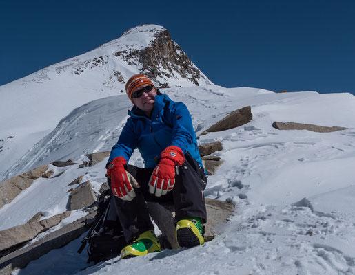 Nach einem weiteren Anstieg zum Colle Ciarforon warten Robin und seine Kollegen vergebens auf die Gipfelstürmergruppe