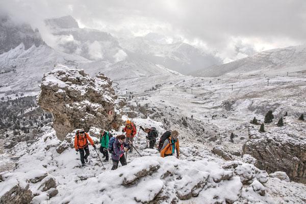 Wintereinbruch in den Dolomiten. Wir lassen uns nicht unterkriegen und steigen ins Herz der Langkofelgruppe auf