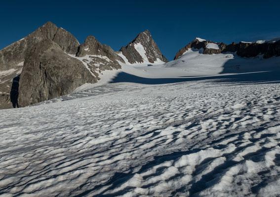 Das Finsteraarhorn vom Studergletscher unterhalb vom Oberaarjoch