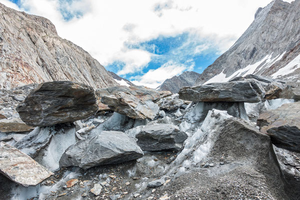 Gletschertisch Chaos unterhalb der Grünhornlücke