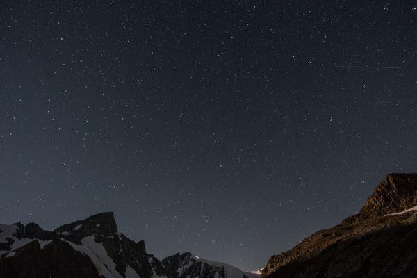 Wünsche frei im Multipack, gleich zwei Sternschnuppen jagen über dieses Bild