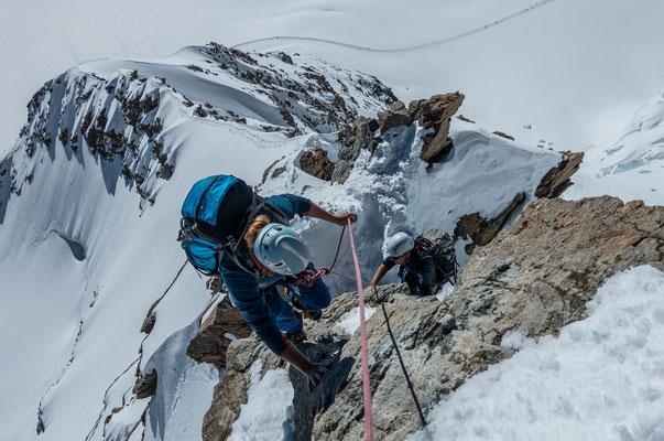 Blankeis? Fehlanzeige, auch die meisten Felspassagen sind mit einer Schneeschicht bedeckt und dementsprechend leichter zu gehen