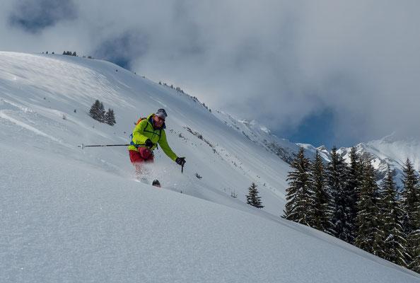 Oberhalb 1500 Meter ist die Schneelage ausgezeichnet, leider nur bis zum gossen Regen kurz vor Weihnachten