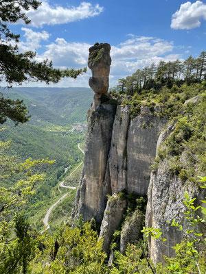 Steinerne Vase in der Gorge de la Jonte