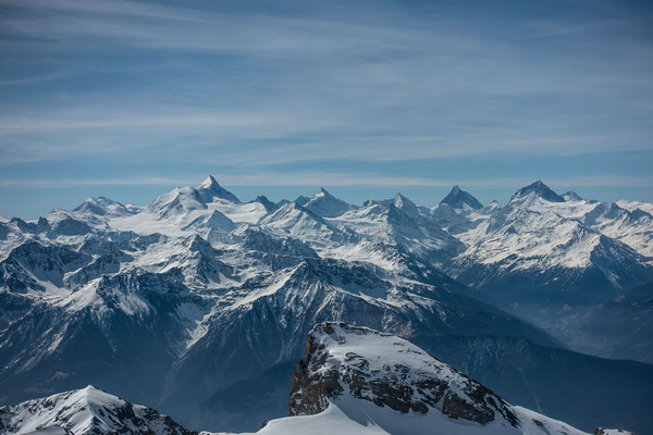 Von der Nordend bis zur Dent d`Hérens reihen sich die Walliser Königsspitzen auf