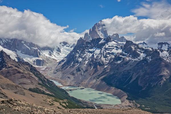 Hammerblick zum Fitz Roy und der Laguna Torre. Nur der Cerro Torre versteckt sich in den Wolken