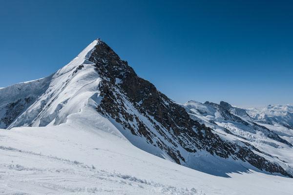 Wurde über den Fieschersattel häufig bestiegen, das Gross Fiescherhorn