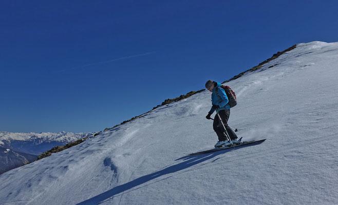 Wir fahren mal ein Stück weit ab über eine knallhart gefrorene Schneeoberfläche
