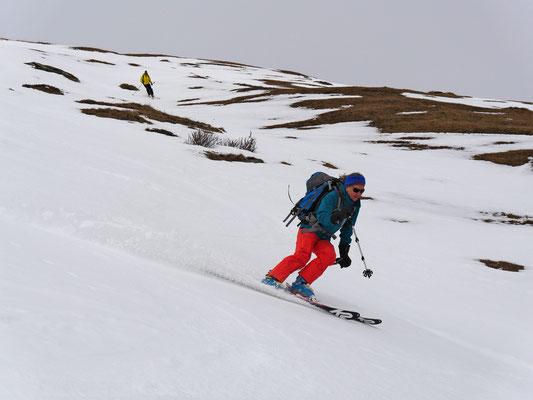 Zwischen Tällihorn und Bärenhorn fahren wir über 1000 Höhenmeter im Sulz, je tiefer desto besser...der Hammer