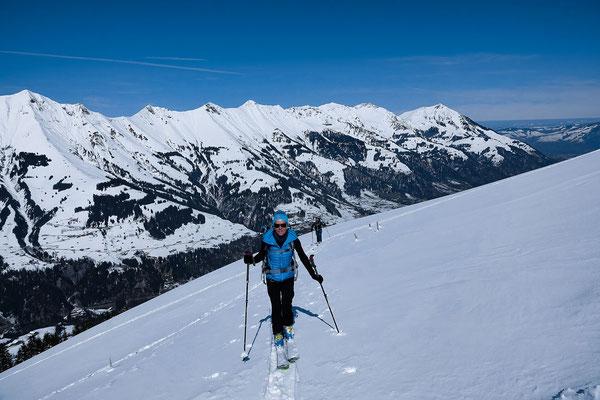 Bündihore, Mäggisserehore, Drunegalm und Niesen gehören zu den nördlicheren Skitourengipfeln im Frutigland