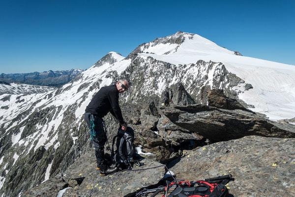 Kurz nach dem Gipfel folgen wir dem Ostgrat Richtung Cap. Scaletta, und sind ganz alleine unterwegs