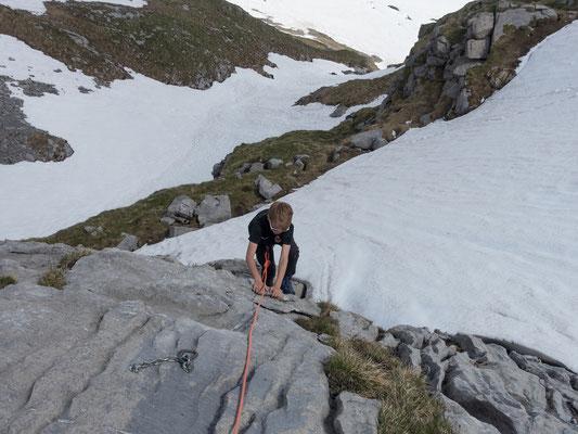 Am Nachmittag gibst noch ein kurzes Kletterabenteuer in den Hütten nahen Felsen