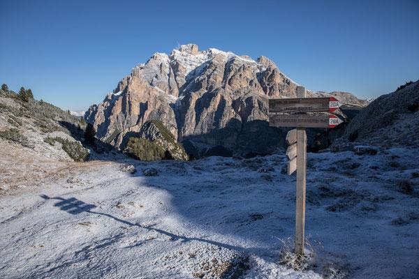 Endlich ein Traumtag. Unsere Tour führt in das romantische Val Lagazuoi. Im Bild der massige Conturines