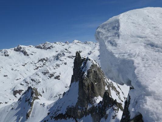 Gipfelwächte am Gross Schinhorn